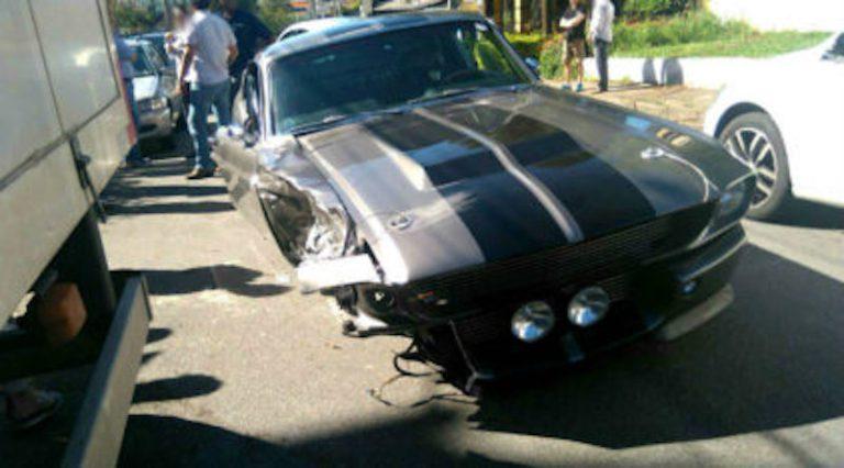 Mecânico sai para rolê e bate Mustang 'Eleanor' 1967 de mais de R$ 1.7 milhões