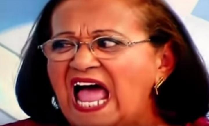 Mulher reclama do Fusca Reformado no programa do Gugu