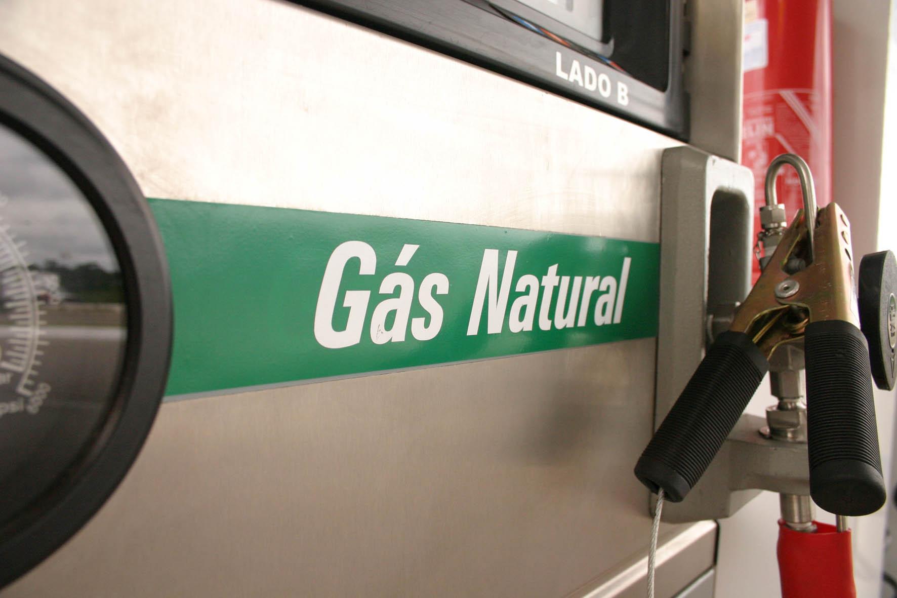 Alta no preço da gasolina torna o GNV até 50% mais econômico